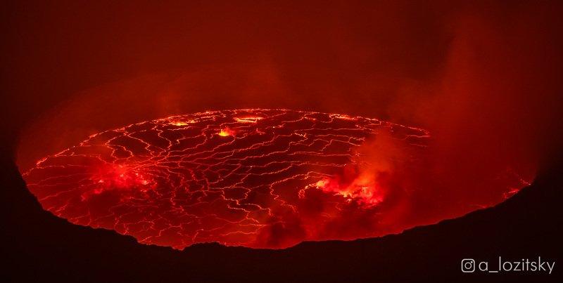 Вулкан Ньирагонгоphoto preview