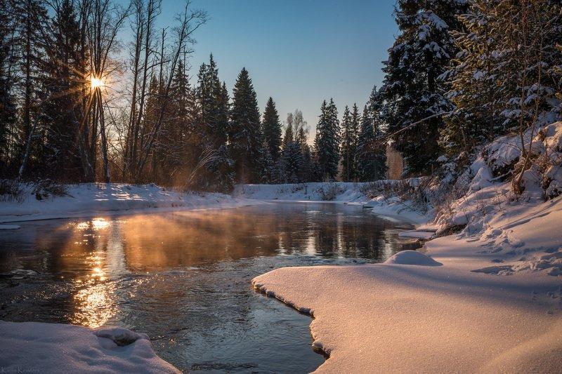 Морозное утро на рекеphoto preview