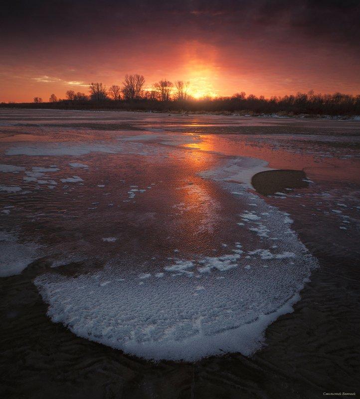 закат, осень, северная двина, отражения, лед, река Прощальное пламя ноябрьского закатаphoto preview