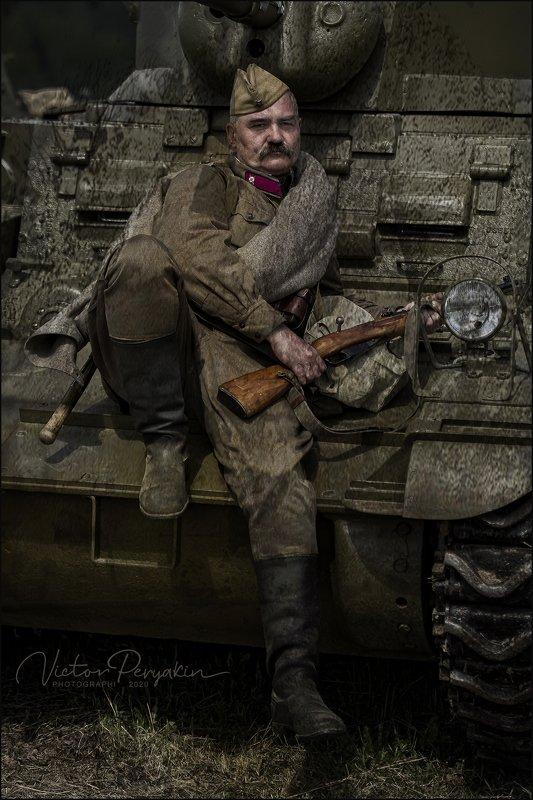 Военный портретphoto preview