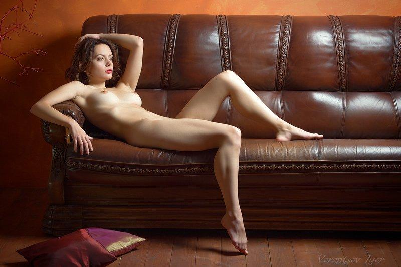 ню, девушка, грудь, обнажённая, красивая, голая, диван photo preview