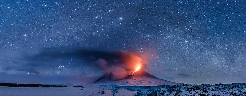 Камчатка, вулкан, извержение, природа, путешествие, фототур, пейзаж, ночь, звезды, лава, млечный путь, Хвост Драконаphoto preview