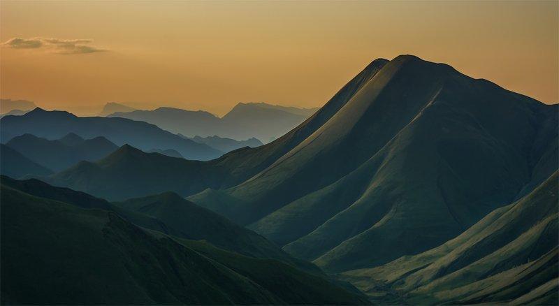 природа, пейзаж, горы, кавказ, природа россии, дикая природа, закат, свет, облака, вечер, весна, Восточный Кавказphoto preview