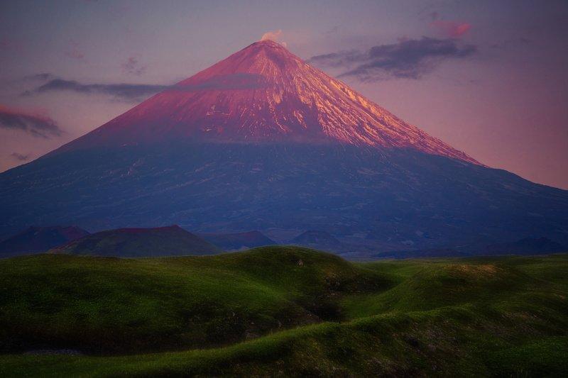 камчатка,ключевская сопка,рассвет,вулкан малиновый сон великанаphoto preview