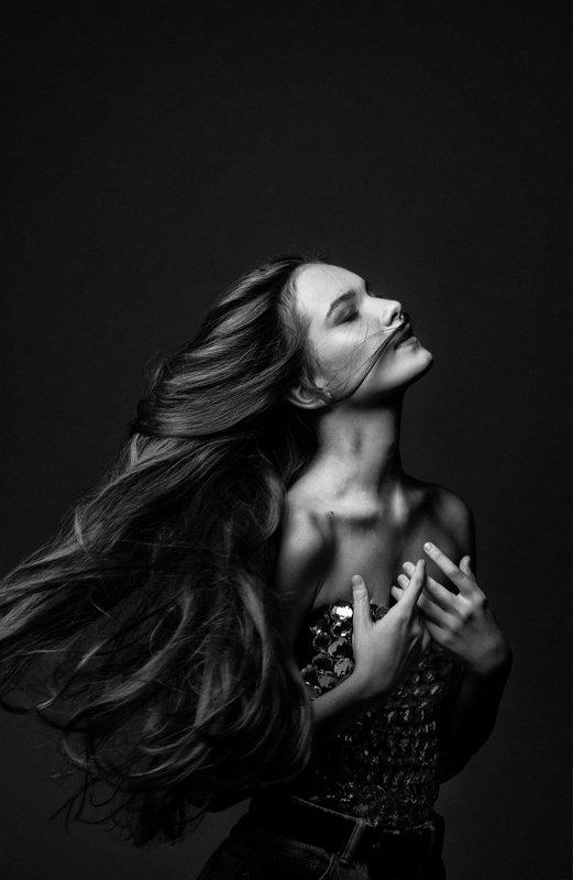 Жанна в черно-белом.photo preview