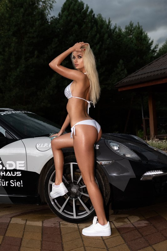 outdoor, car, girl, bikini, swimsuit, glam, glamour, sexy, wet, blonde, hot Blondephoto preview