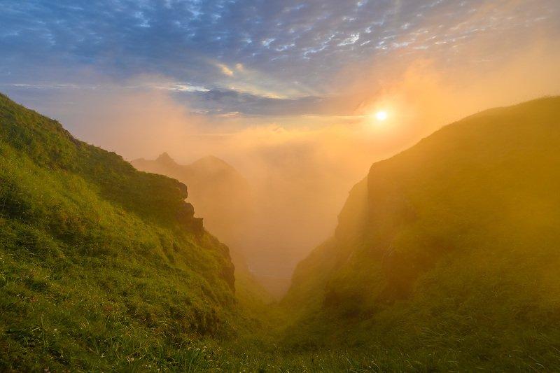 шикотан, курилы, курильские острова, дальний восток, россия, восход, природа, пейзаж, туман, shikotan, kuril islands, far east, russia, sunrise, nature, landscape, fog, hdr Туманное утро на Шикотанеphoto preview