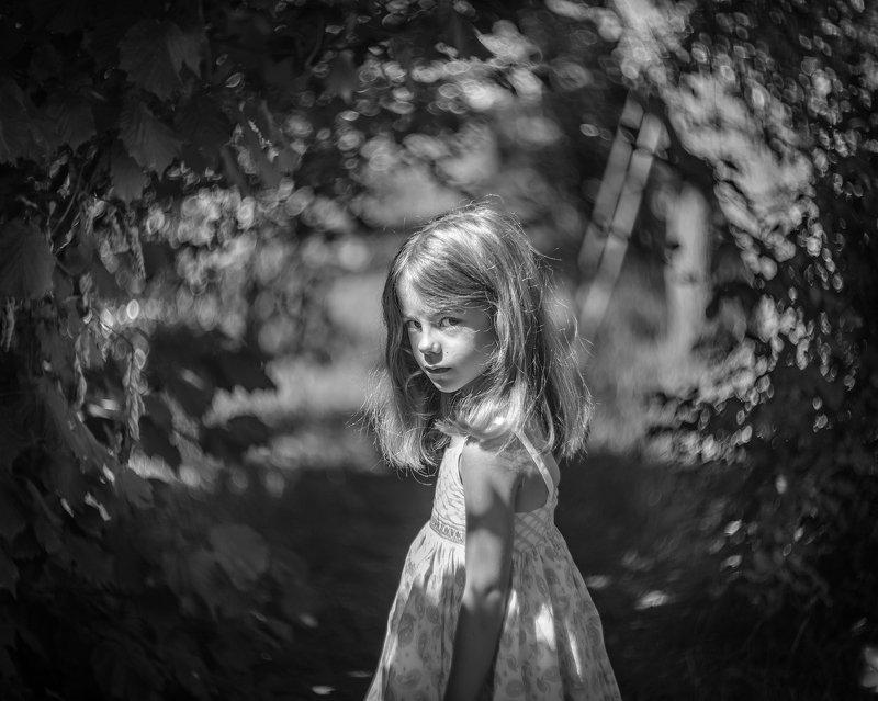 мэри portrait child female model children little girl bw bokeh magic mist tunnel daughter biotar biotar75mm vintage lens blackwhite Мэриphoto preview