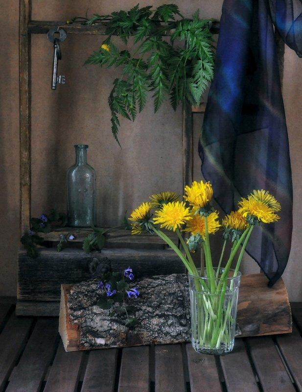 полено,платок,стакан,цветы,ключ,пузырёк ***photo preview