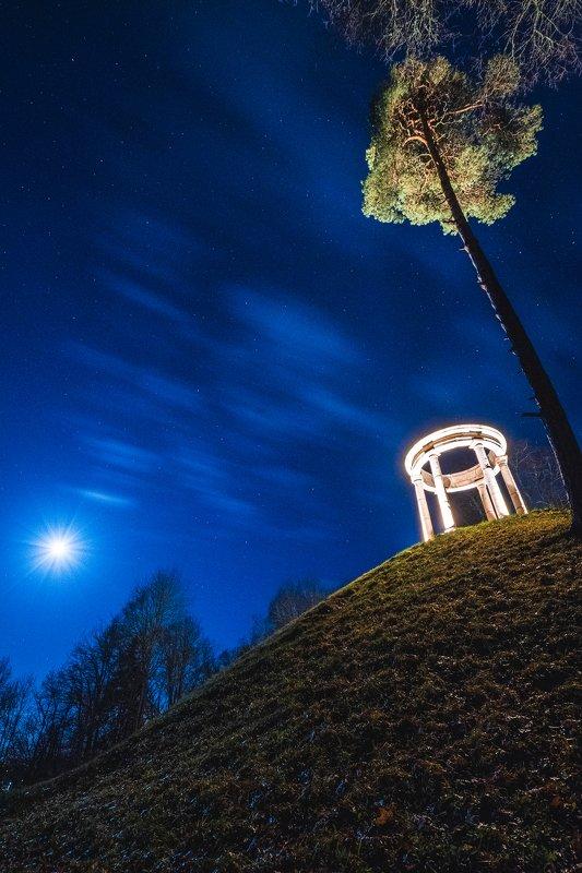 В полнолунную ночьphoto preview