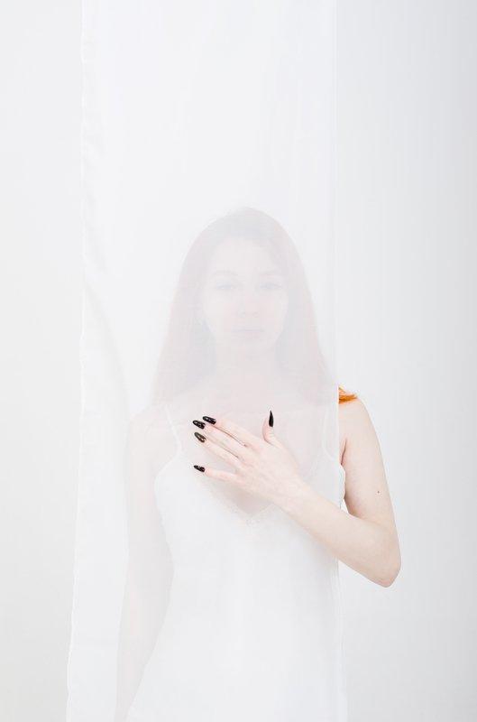 art perform redhead white nikon White Fox\'s tailphoto preview