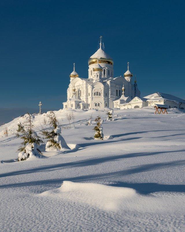 зима утро белогорье монастырь урал Утро в Белогорьеphoto preview