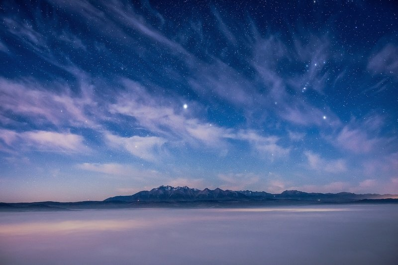 Nightscape over the Mountainsphoto preview