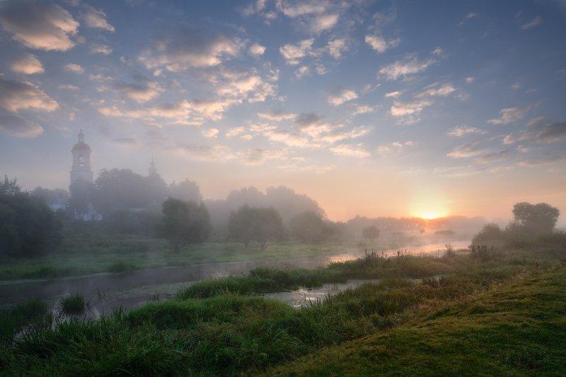 утро,рассвет,туман,река,небо,обдака,солнце,лучи,храм,филипповское туманное утроphoto preview