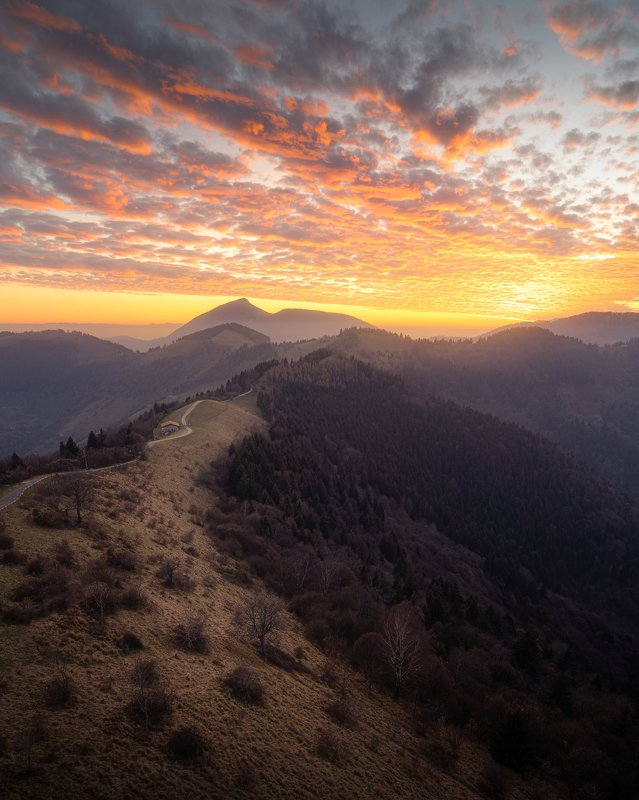 sony, iseo, italy, italia, sunset, sunlight, clouds, andscape, sun The road of lightphoto preview