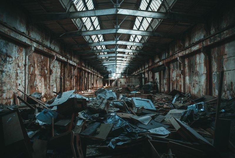 ангар, апокалипсис, баррикада, мусор, разруха, хлам barricadephoto preview