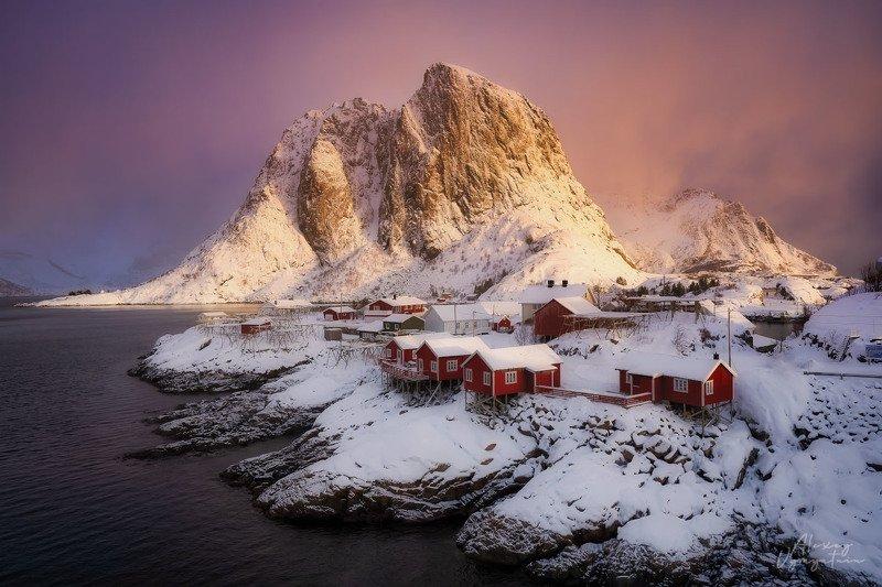 lofoten, norway, norge, winter, morning, light, mountain, red house, rorbu, Ярким утромphoto preview