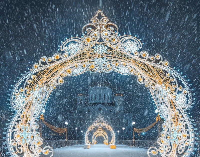 москва, зима, снег, Новый год, храм Христа спасителя, winter, snow, Moscow Новогоднее украшение Патриаршего мостаphoto preview