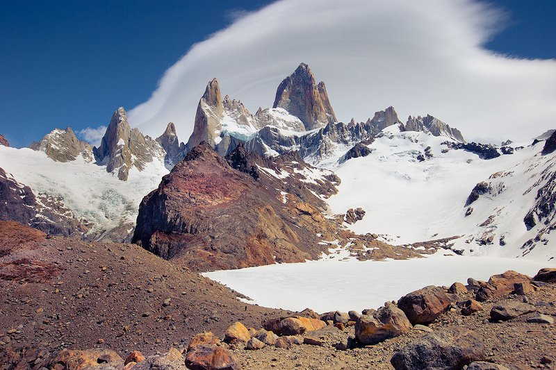 Fitz Roy and frozen lake.photo preview