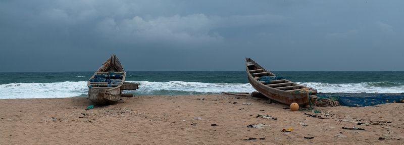 гана, лодка, океан про две рыбачьи лодки (или про Гану словечко)photo preview