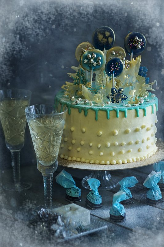 торт, праздник, шампанское, конфеты С Новым годом!!!!photo preview
