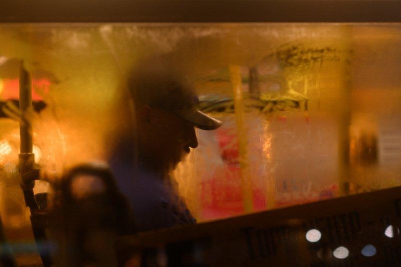 уличная фотография, streetphotography, северодвинск, автобус, Не смотри из окна автобуса, если боишься уснуть от скукиphoto preview