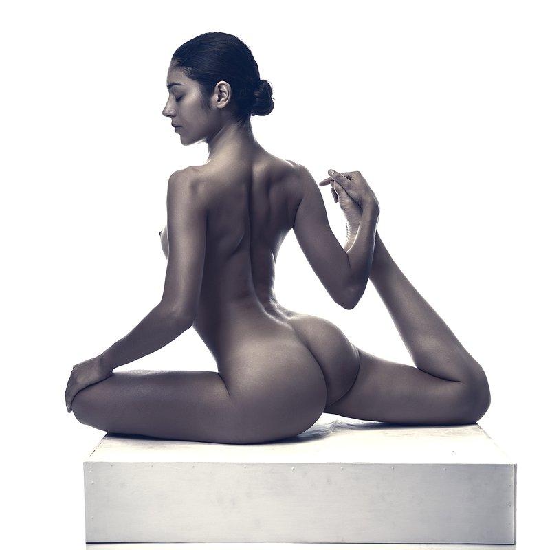 zabrodski, nude, dancer, yoga, Plata Suavephoto preview