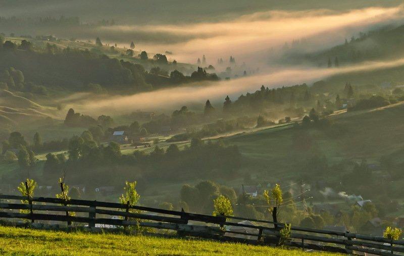 карпаты, лазещина, черногорский хребет, утро, село, туман Про карпатский утренний туман фото превью