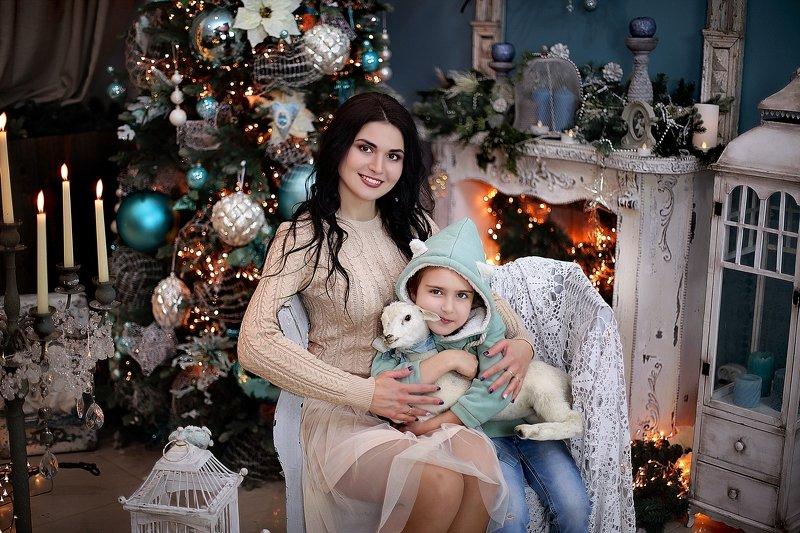 студия, помолейко, девушка, новогоднее, студия, фотостудия, семья, девочка, дочь, ребенок Мама и дочьphoto preview