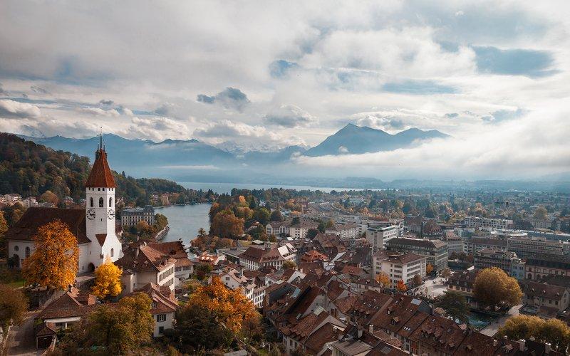 швейцария, церковь, собор, осень, горы, облака, дждь, небо, пейзаж, жедтые деревья, озеро ********photo preview
