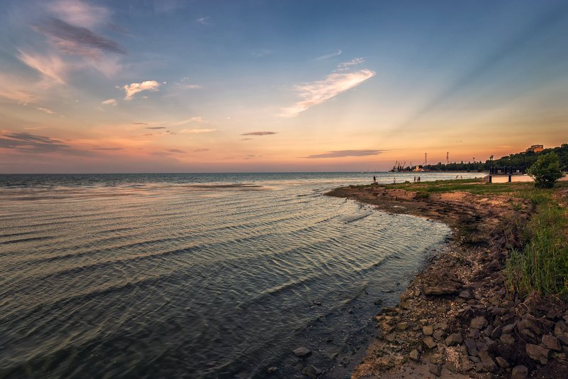 таганрогский залив, азовское море, море, залив, порт, пейзаж, облака, небо, берег Таганрогский заливphoto preview