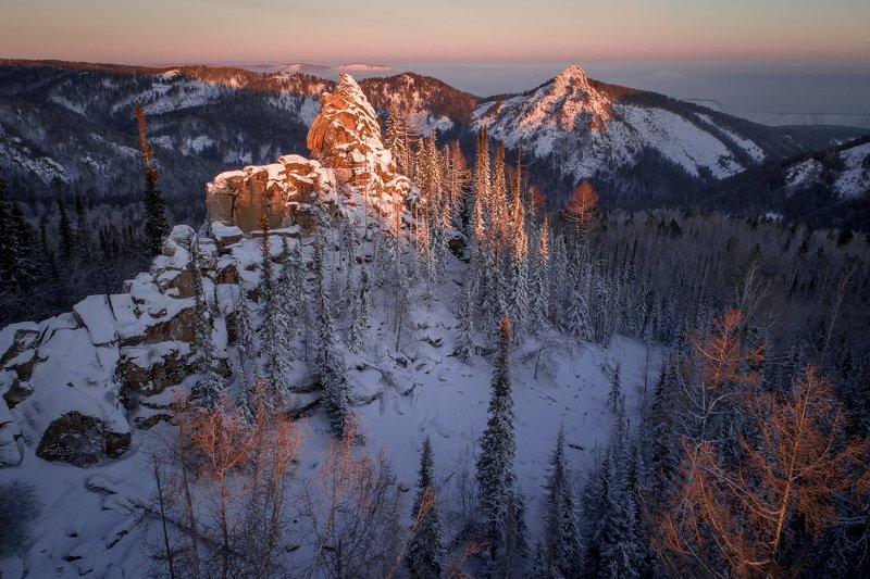 столбы, красноярские, пейзаж, красиво, мороз, нацпарк, зима, скала, хайкинг, тревел, туризм Китайская стенкаphoto preview