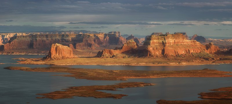 Alstrom Point, Lake Powell, Utah.photo preview