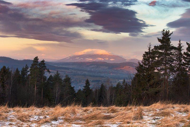 Бабья Гора с косой облаковphoto preview