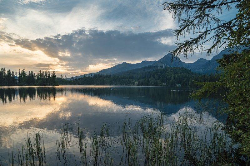 словакия, горы, закат, татры, штребське плесо, озеро, деревья, пейзаж, облака На закатеphoto preview