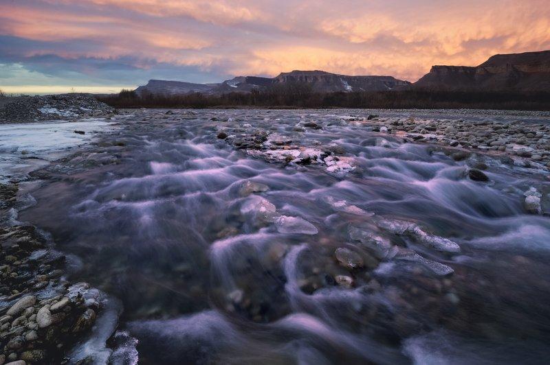 река кубань, северный кавказ, карачаево -черкесская республика Утро на реке Кубаньphoto preview