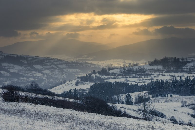 Winter in mountains. Beskidy.photo preview