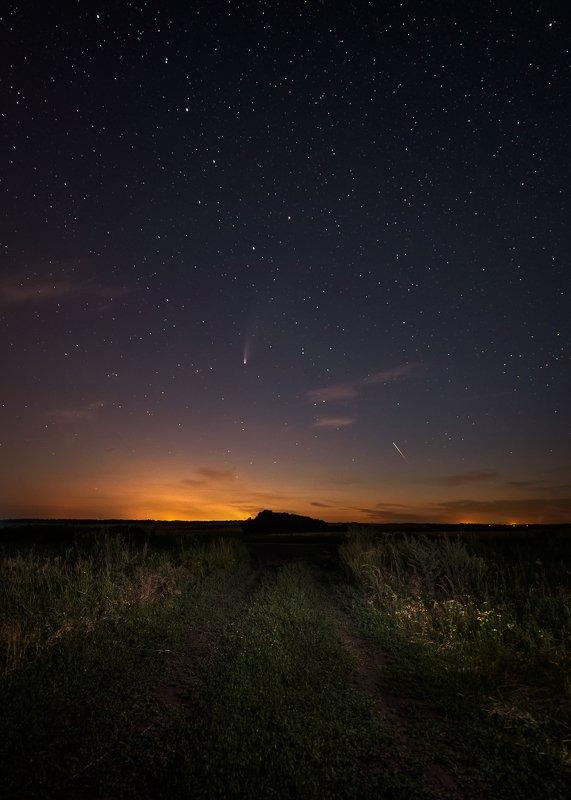 большая медведица, созвездие, комета, c/2020 f3 (neowise), метеор, звёздное небо, небо, пейзаж Большая Медведица, комета C/2020 F3 (NEOWISE) и случайный метеорphoto preview