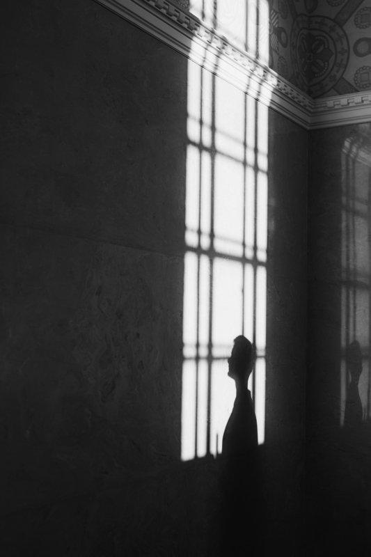 чб,свет,тень Тень, которая гуляет сама по себеphoto preview