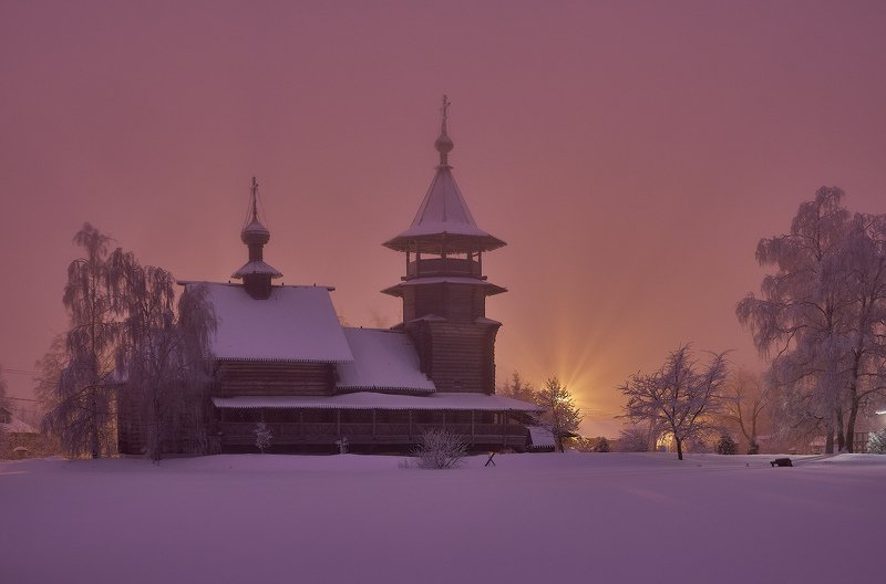 подмосковье,туман,сумерки,лучи,фонарь,церковь,храм,пейзаж,благовещенье,зима,снег,архитектура Вечерняя сказка в Благовещеньеphoto preview