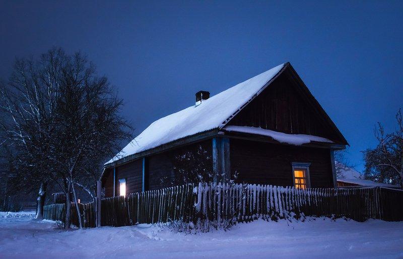 Зимний вечер в полесской глубинкеphoto preview
