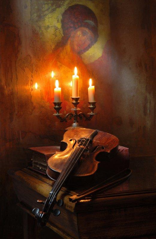 икона, Рублев, свет, свечи, скрипка, музыка Луч Светаphoto preview