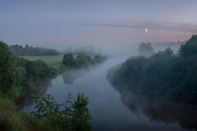 новгородская область, Восход луныphoto preview
