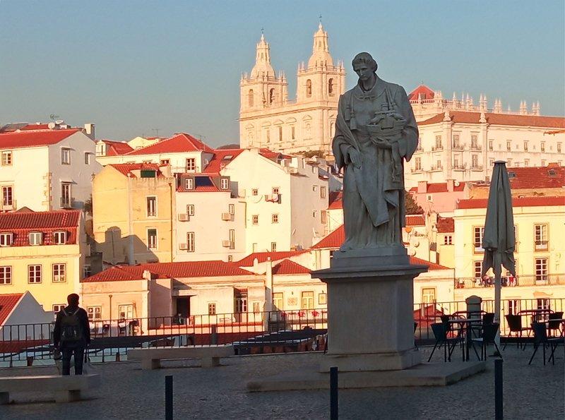 Street/Reportage  Lisboa - Porta do Solphoto preview
