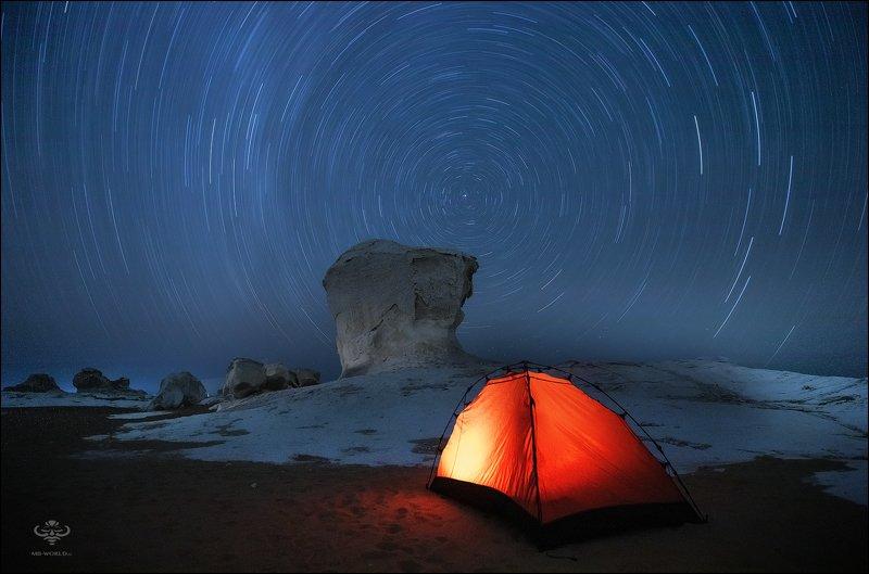 Ночь в Белой пустынеphoto preview
