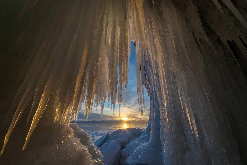 байкал, ольхон, лед, зима, рассвет, закат, пейзаж, лучи, малое море, уюга Ледяное царство Байкалаphoto preview