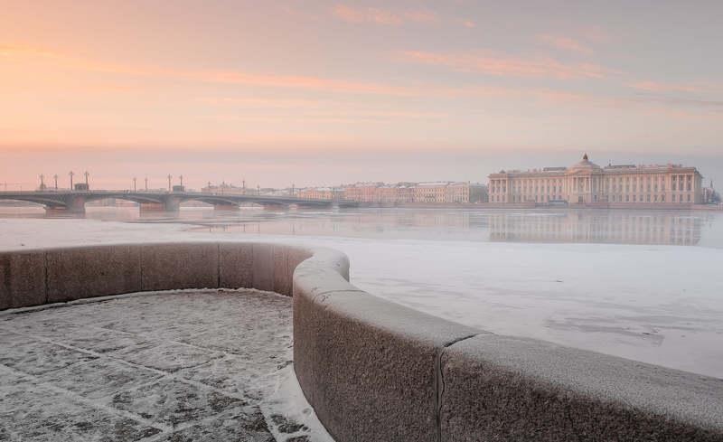 Петербург, зима, Нева, река, закат, снег, отражение. Петербургский этюд..photo preview