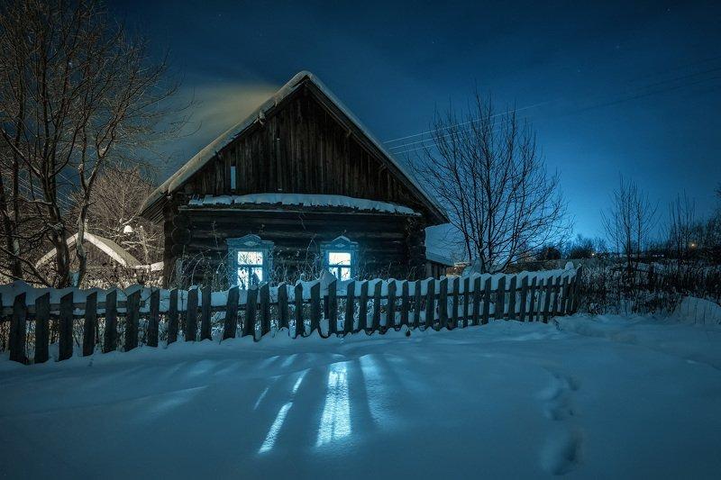 деревня, январь, мороз, снег, ночь, дом, окна, свет, стряпунята, пермь Окна в ночиphoto preview