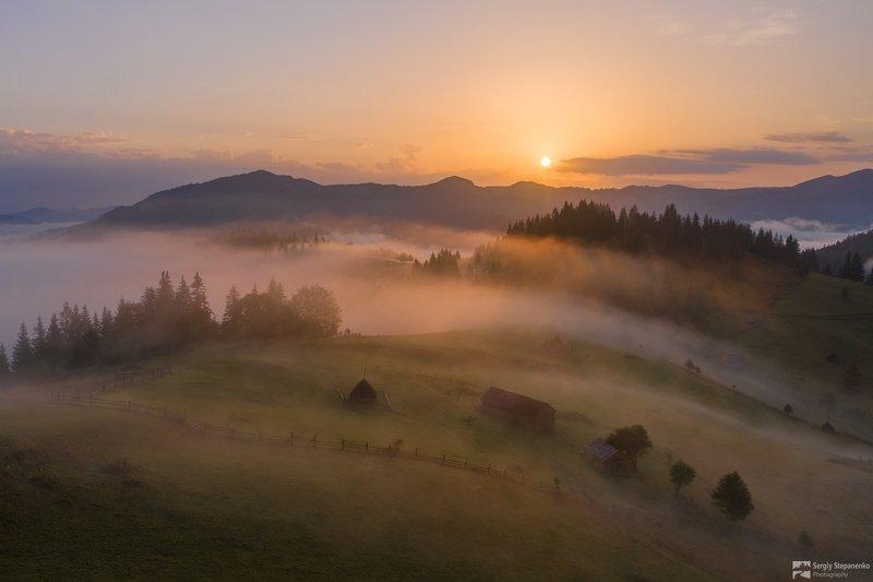 Утро над переваломphoto preview