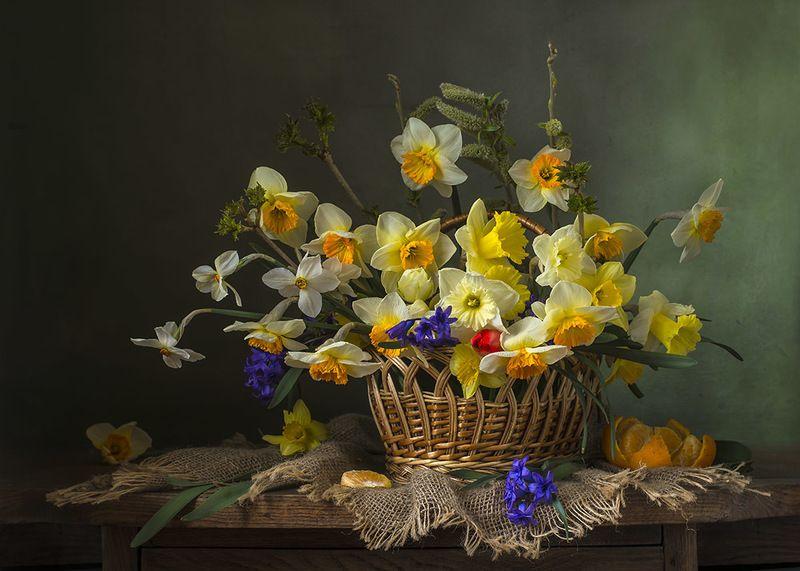 художественное фото,натюрморт,букет с цветами,нарциссы.. photo preview